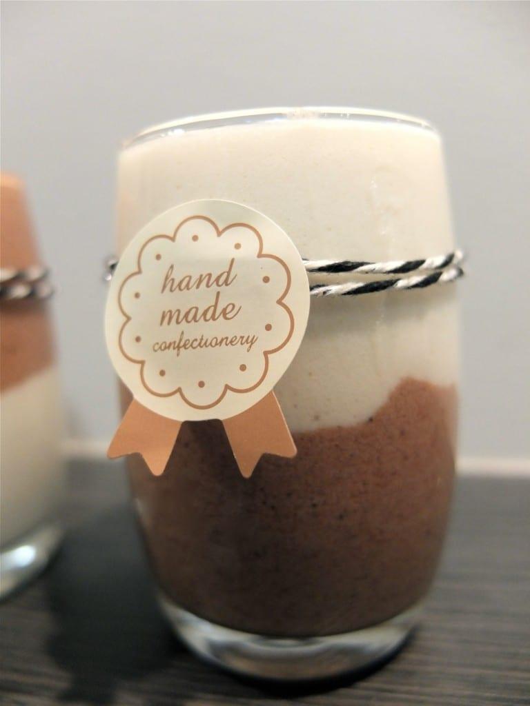 Mousse chocolat blanc et  bonbons Michoko