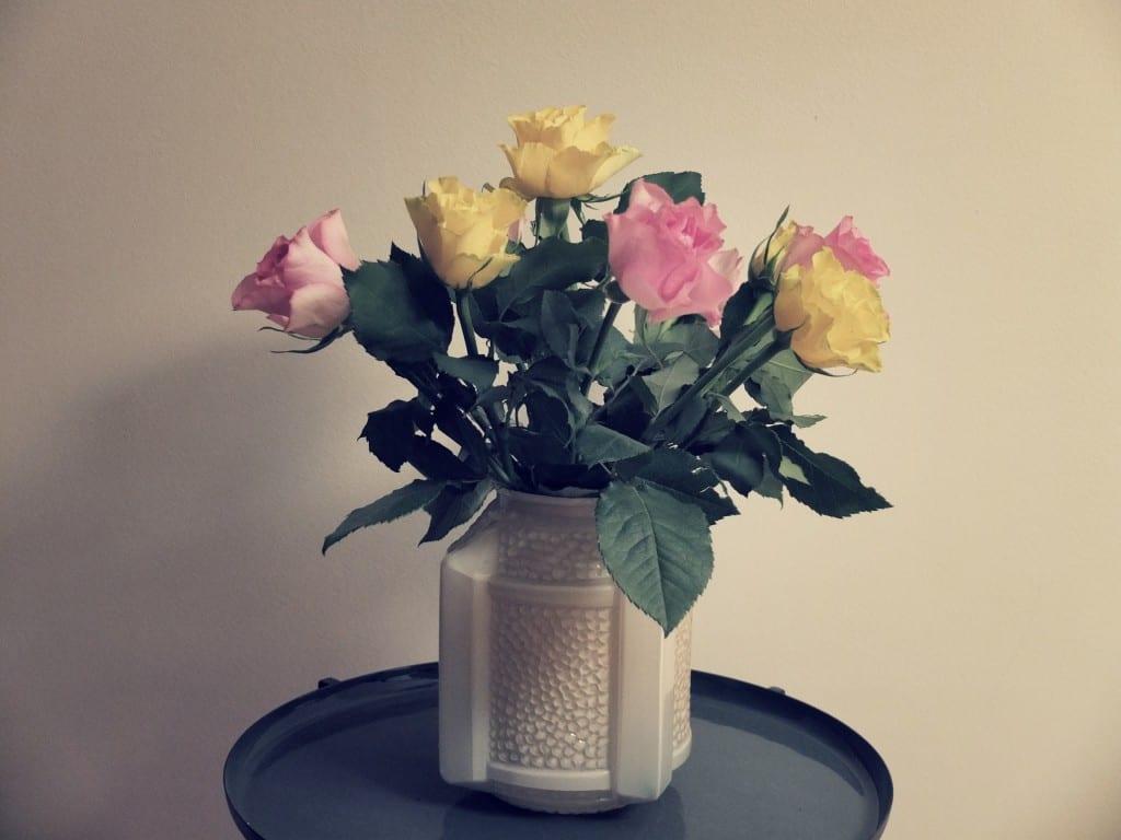 roses et vase vintage