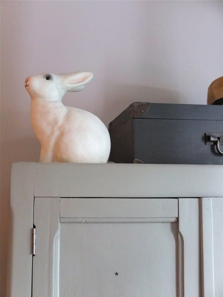 lampe lapin et armoire Petite Belette