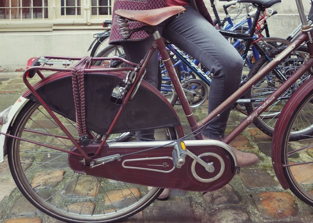 Vélo vintage bordeaux